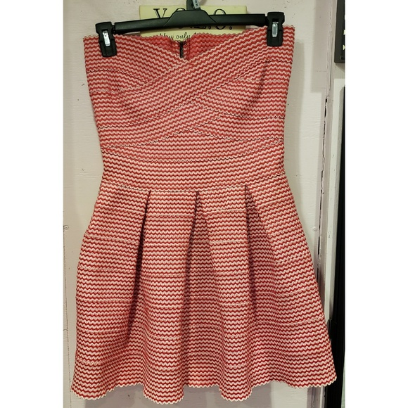 Gracia Dresses & Skirts - Gracia red and white stretch knit dress